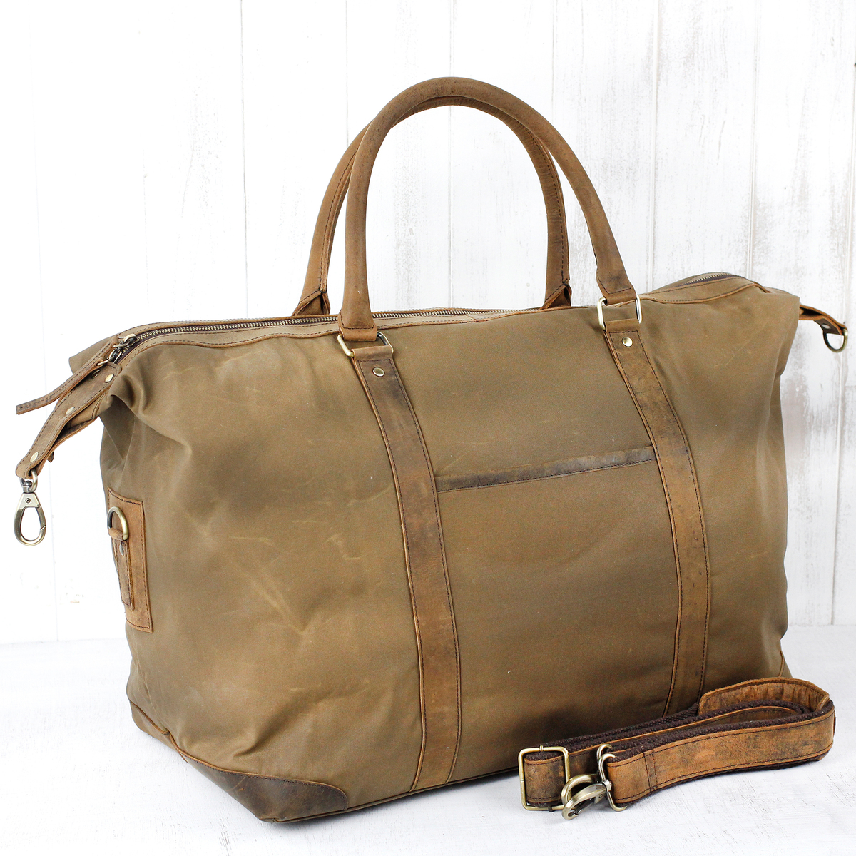 Womens Leather Weekender Bags   Leather Bags   Scaramanga