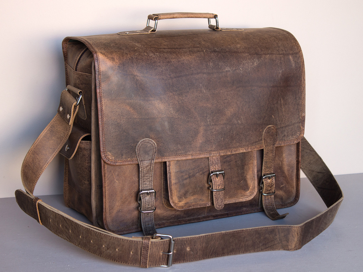 on feet shots of choose clearance quality Large Overlander Mens Satchel Bag – Leather 18 Inch