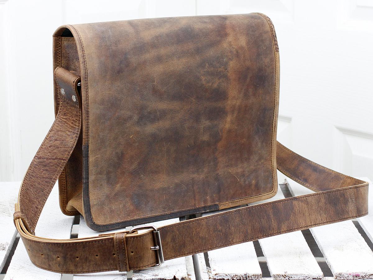 4f3590fba395 Leather Messenger Bag Small 13 Inch at Scaramanga