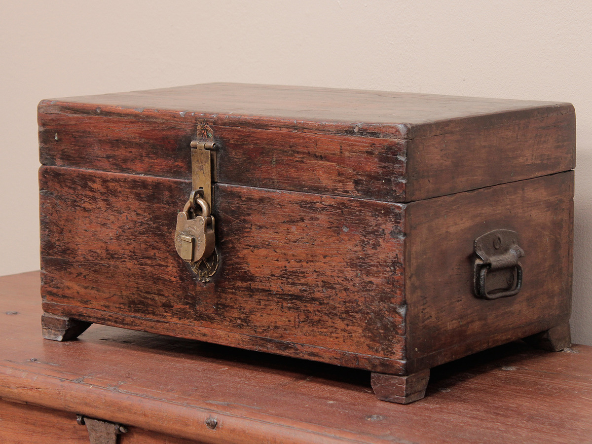 Old military chest scaramanga leather satchels