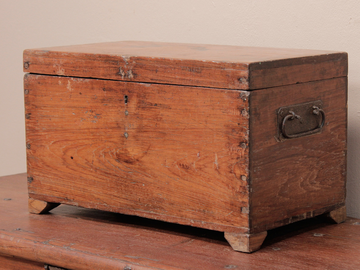 Wood Trunks And Chests ~ Rustic chest