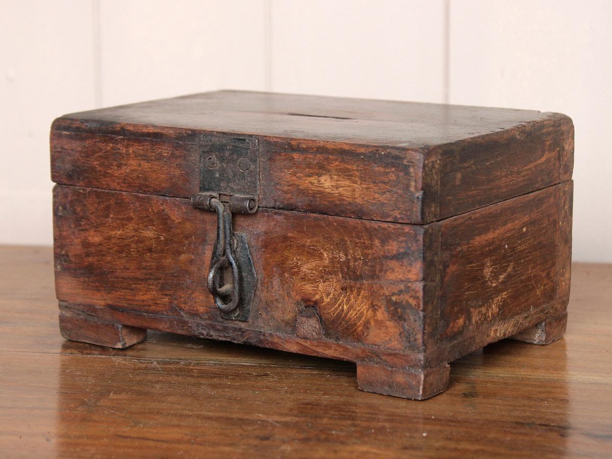 Rustic money box sold scaramanga for Home money box