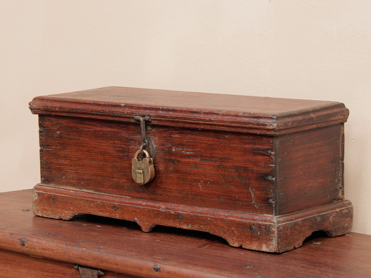 Wood Trunks And Chests ~ Rustic handcraft chest