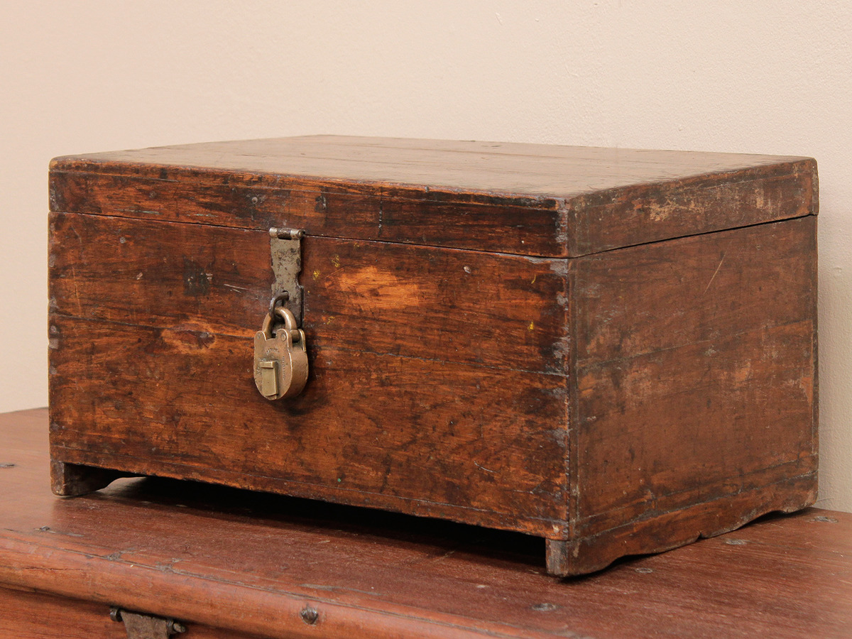 Wood Trunks And Chests ~ Teak chest