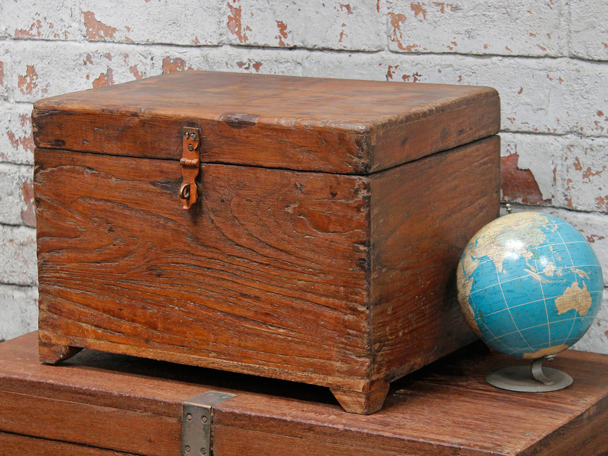 Wooden storage chest for the home scaramanga