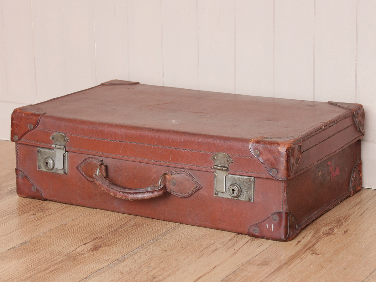 Vintage Leather Travel Suitcase Scaramanga Leather Satchels Amp Messenger Bags Old Wooden