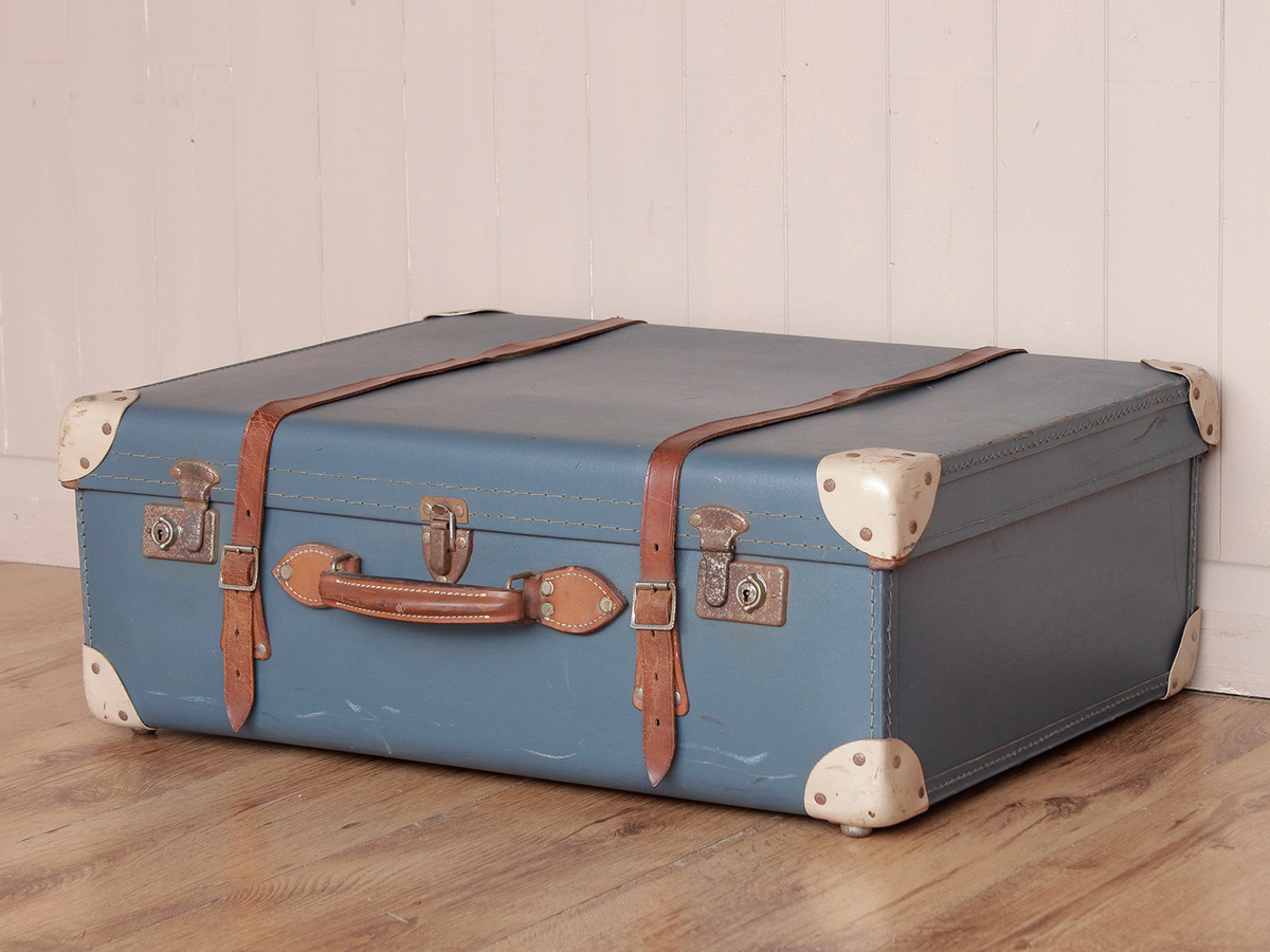 Vintage travel suitcase sold scaramanga for The vintage suitcase
