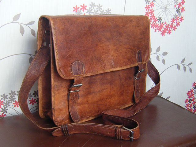 Traditional Old School Leather Satchel Bag - Leather Satchel Bags ...