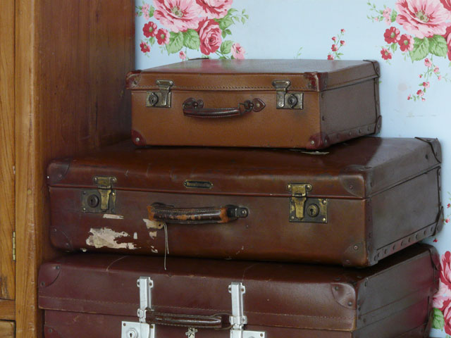 Small Vintage Suitcase S118 - Sold - Scaramanga