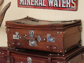 Vintage Leather Travel Suitcase - Small (C) Thumbnail