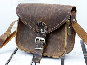 7 Inch Leather Saddle Bag Thumbnail