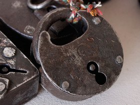 Antique Iron Padlock Thumbnail