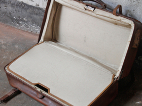 Vintage Travel Bag Thumbnail