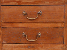 Antique Chest Of Drawers Thumbnail