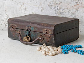 Small Distressed Vintage Metal Suitcase Thumbnail
