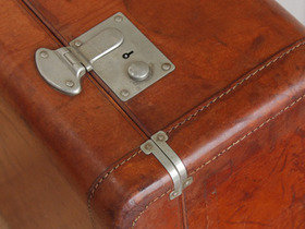 Vintage VICTOR Leather Suitcase Thumbnail
