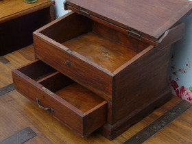 Old Wooden Desk 1481 Thumbnail