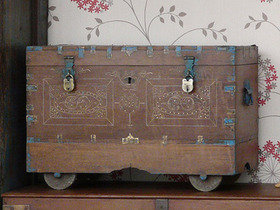 Antique Indian Wedding Chest 2607 Thumbnail