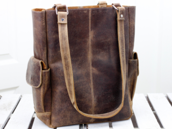 /Classic Leather Tote Bag